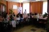 Burmistrz Żnina, pracownicy MOPS-Żnin oraz uczestnicy projektu Aktywni, zintegrowani, silniejsi podczas konferencji informacyjno - promocyjnej słuchają prelekcji